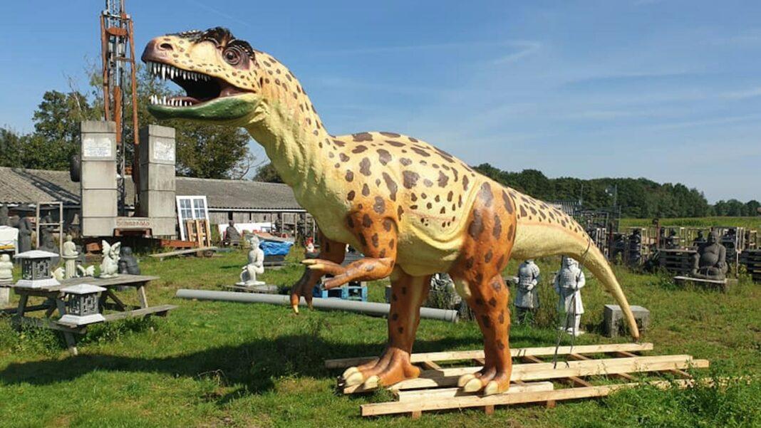 levensgrote dinosaurus te koop